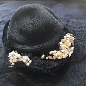 VINTAGE 1930s-40s Black Hat with Net